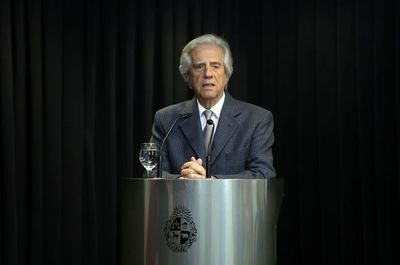 Presidente uruguayo Tabaré Vázquez padece de cáncer de pulmón, reveló a la prensa