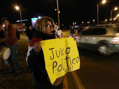 Nicanor se burla de las movilizaciones a favor del juicio político