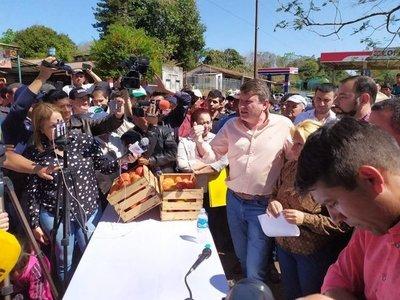Tomateros aceptan precio de G. 2.500 el kilo y levantan protesta