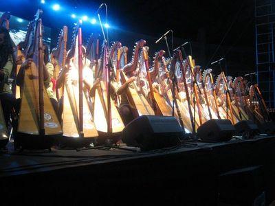 Buscan convertir al arpa en patrimonio inmaterial del Paraguay