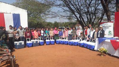 Mujeres de San Pedro reciben equipamientos para mejorar producción láctea