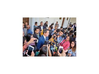 Washington negocia a espaldas de Maduro con altos funcionarios