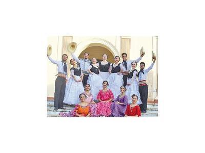 Elencos de danza y música se lucen  en Día del Folclore