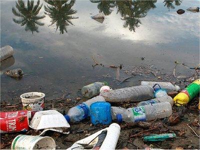 OMS: No hay pruebas que microplásticos en agua potable amenacen la salud