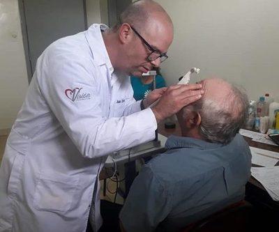 Brindan asistencia oftalmológica gratuita en San Alberto