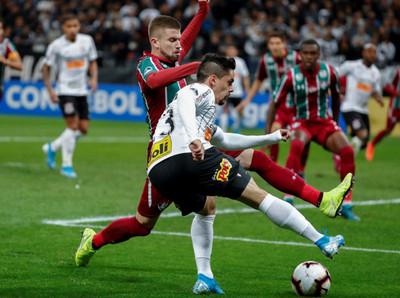 Corinthians y Fluminense dejan todo para la revancha