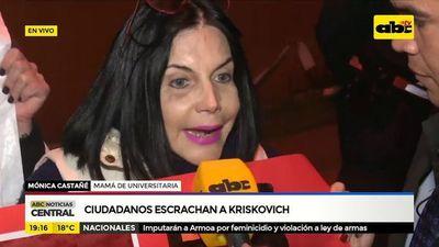 Ciudadanos escrachan a Kriskovich