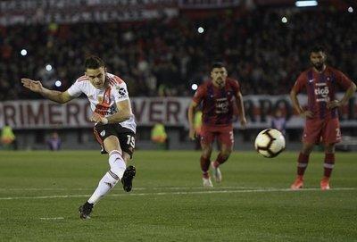 Cerro cayó ante River en un partido donde el principal protagonista fue el VAR