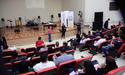 Intendente, directores y jefes municipales participan en taller sobre acceso a información pública