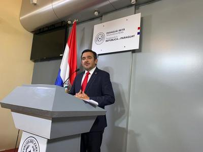 Ministro Petta proyecta aumento salarial a docentes