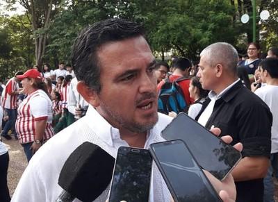 Gremio estudiantil pide la salida de Petta tras polémico posteo en Twitter