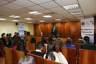 Estudiantes del Este debaten sobre Derecho Penal Juvenil