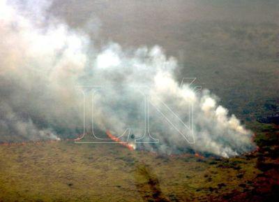 Paraguay controla incendio en la triple frontera con Bolivia y Brasil