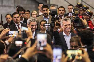 Paso fronterizo constituye punto de encuentro y transformación para el Paraguay y Argentina, destaca presidente