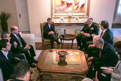Cooperación democrática y lucha contra el terrorismo fueron temas de la reunión con el Jefe del Comando Sur de los EE.UU. de América