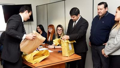 MEC comprará, finalmente, notebooks que no pasan de G.  15 millones cada una