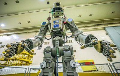 La nave con robot humanoide ruso falló en acoplarse a estación espacial