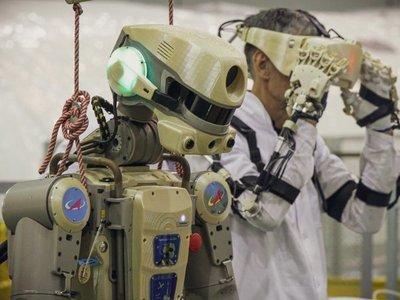 Nave Soyuz con androide Fiódor no logra acoplarse a estación espacial