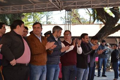 """""""Los políticos somos los chivos expiatorios"""", dice Duarte Frutos"""