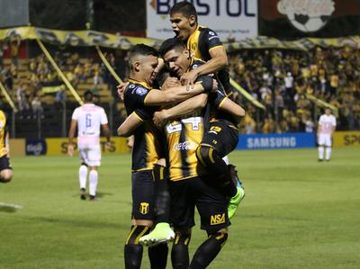 Guaraní mete su tercera victoria al hilo a costa del Rayadito