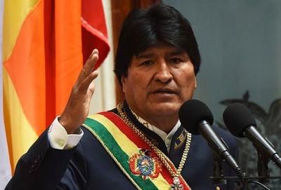 Acepta ayuda internacional para sofocar incendios en Bolivia