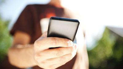 Advierten que compartir fotos y vídeos íntimos tiene efectos irreversibles