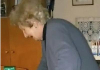 Filmó maltratando a su madre, pero en realidad pide ayuda, he'i