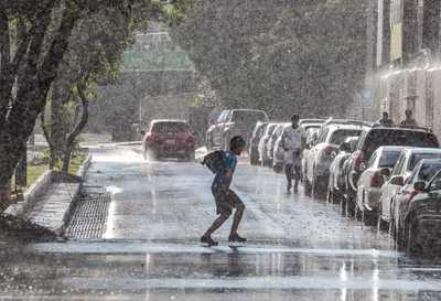 Meteorología anuncia inicio de semana laboral cálido con lluvias y tormentas eléctricas