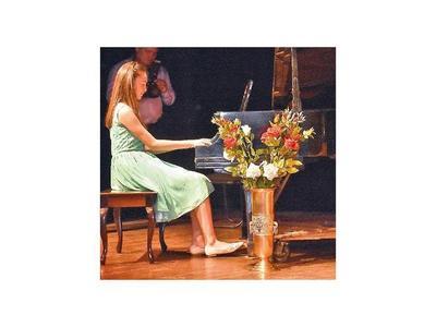 Festival  del Conservatorio Jorge  Báez presentó a más de 50 jóvenes talentos