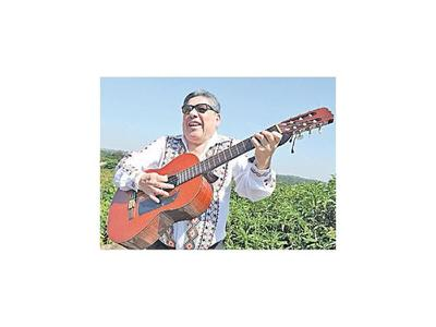 Los artistas dan el adiós al músico Juan Carlos Oviedo