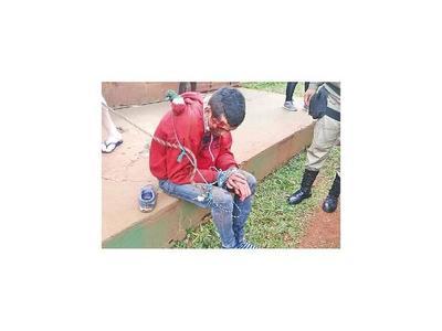 Detienen a golpes a joven que había asaltado a dos mujeres