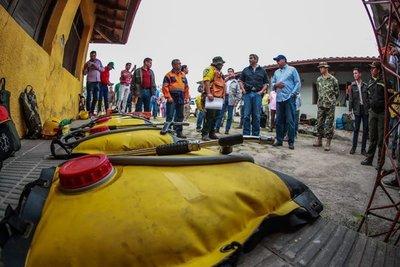 Abdo verifica trabajos de combate a incendios forestales en el Pantanal Paraguayo