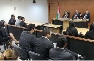 Estudiantes de Paraguarí dialogan con Tribunal de Sentencia