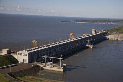 Argentinos buscan truncar soberanía energética paraguaya, denuncian