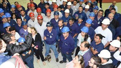 Argentinos impiden que paraguayos hagan trabajos en Yacyretá