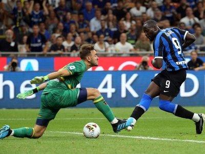 El Inter ilusiona a San Siro con una goleada al Lecce