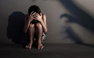 Piden prisión para imputado por abuso sexual de su hijastro de 5 años