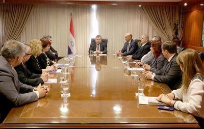Ministros de la CSJ recibieron a magistrados del extranjero