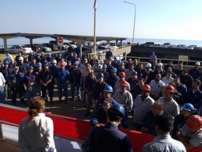 EBY: técnicos paraguayos, expectantes a firma de acuerdo
