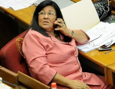 """HOY / """"Mami"""" Roa no está capacitada para presidir Conatel, sostienen"""