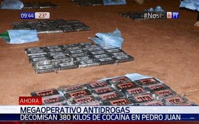 Decomisan casi 400 kilos de cocaína en pista clandestina