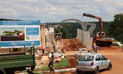 Concejal insinúa sobrefacturación en obras de terminal de ómnibus de Franco