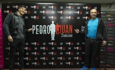 """HOY / Humorista argentino protagonizará junto a Enrique Pavón """"Pedro Juan, 2 caballeros"""""""
