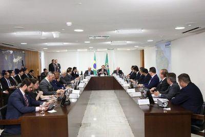 """Toda ayuda será bienvenida"", dicen gobernadores de estados amazónicos de Brasil"