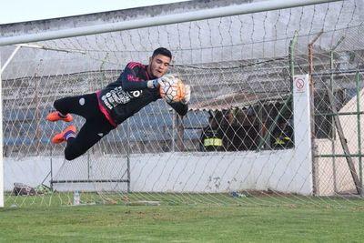 Eduardo Berizzo convoca a 5 futbolistas del torneo local