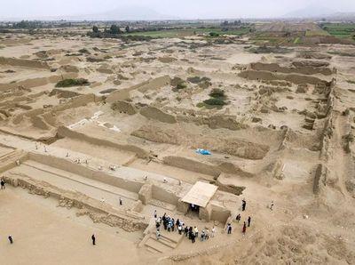 Arqueólogos de Perú hallan 227 restos de niños sacrificados