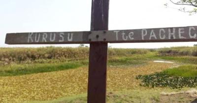 La cruz de un soldado que protege un esteral