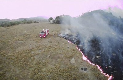 Bolivia se enfoca en aplacar los incendios que van hacia Brasil y Paraguay