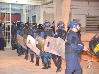Operativo de requisa simultánea en principales cárceles del país