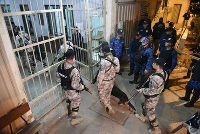 Madrugada con operativos simultáneos en principales cárceles del país